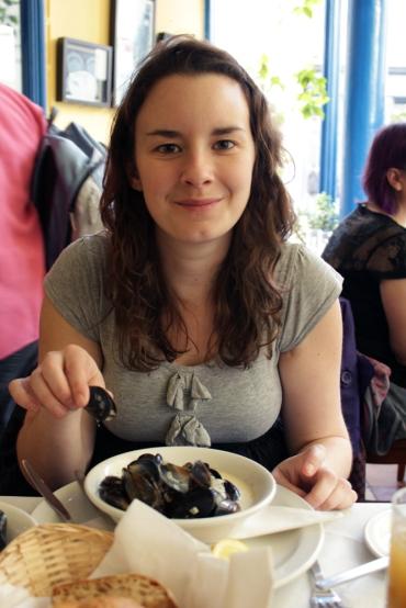 Diane Eating Mussels, Naomi Winters